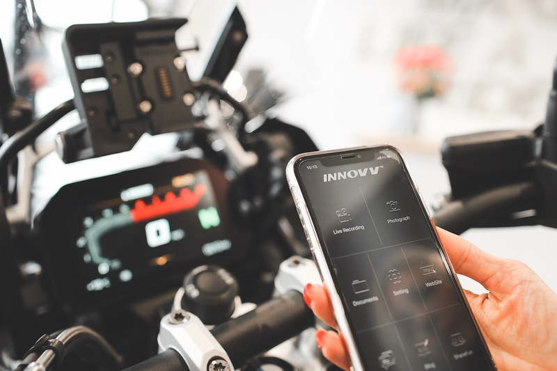 Control settings, view and share with the INNOVV K2 app.