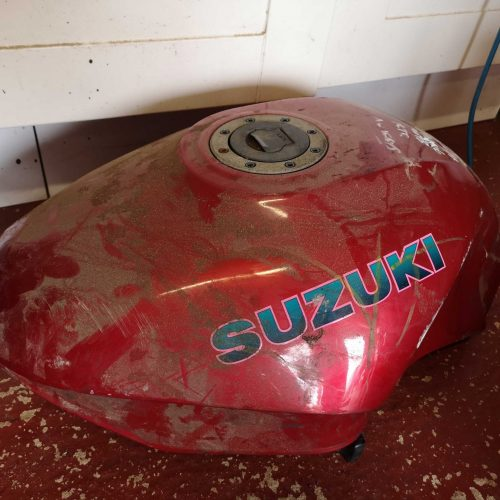 A rusty fuel tank has to be replaced by something scabby in pink!